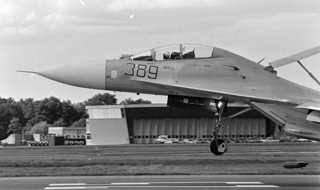 SU-27UB Farnborough Airshow late 80s, Фарнборо