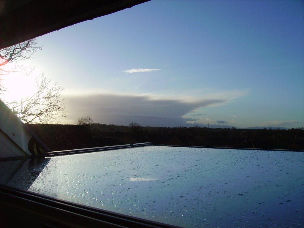 huge approaching storm anvil cloud, Хавант
