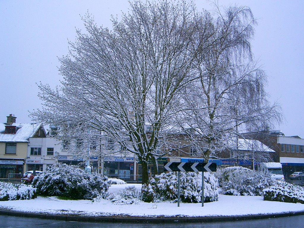 Sussex Square in April snow 2008, Хейвардс-Хит