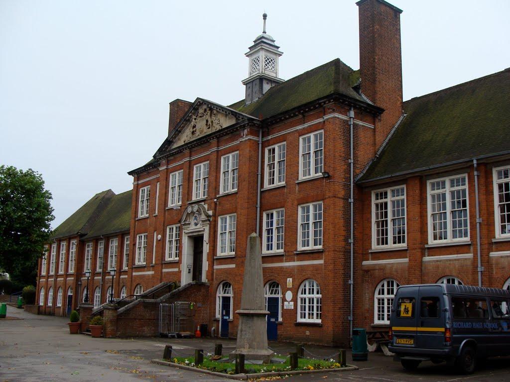 Richard Hale School, Хертфорд