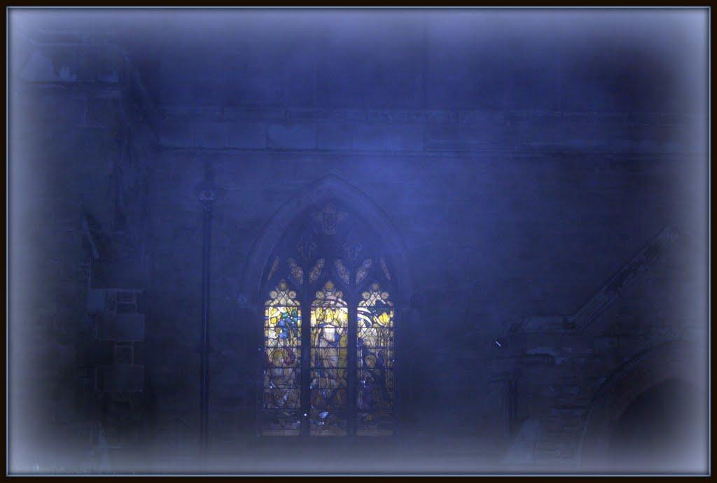 Stained Glass Window Glow, Хинкли