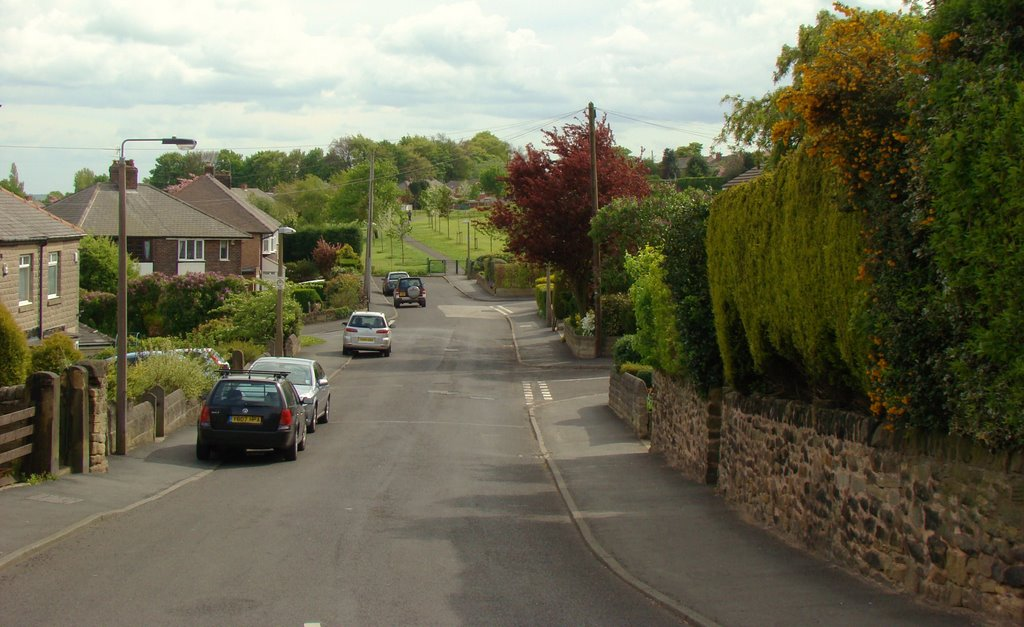 Looking along School Lane towards Brook Lane and the recreation ground, Grenoside, Sheffield S35, Чапелтаун
