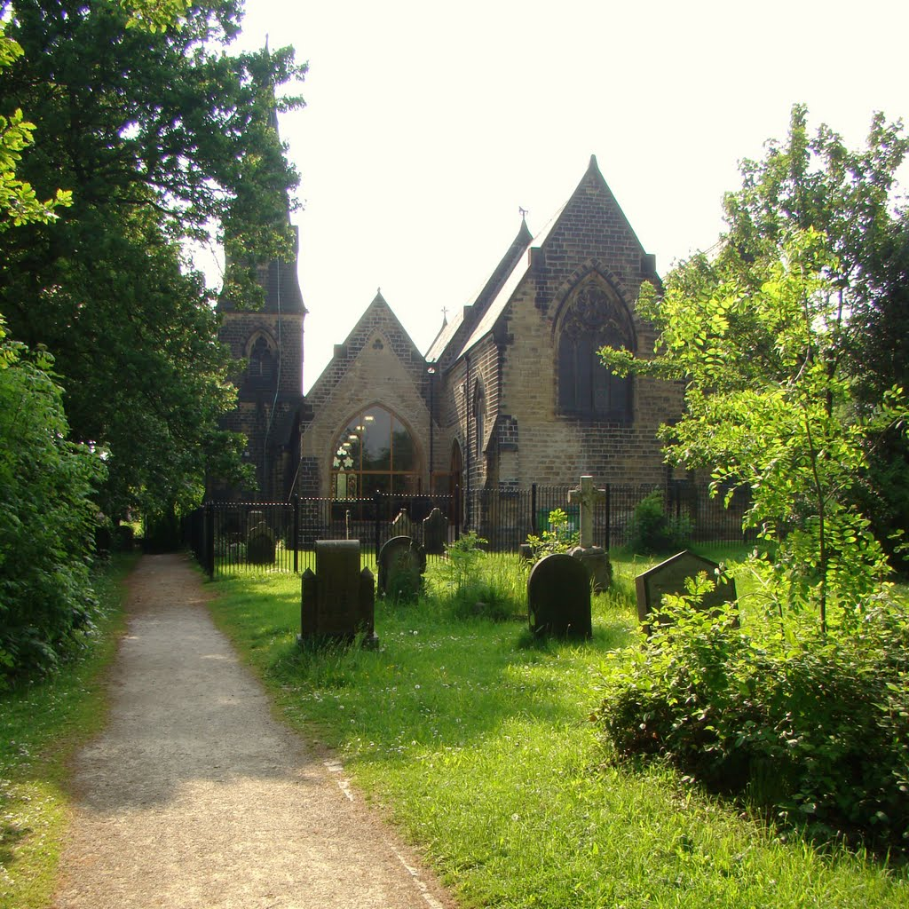 St. Johns church and graveyard, Chapeltown, Sheffield S35, Чапелтаун