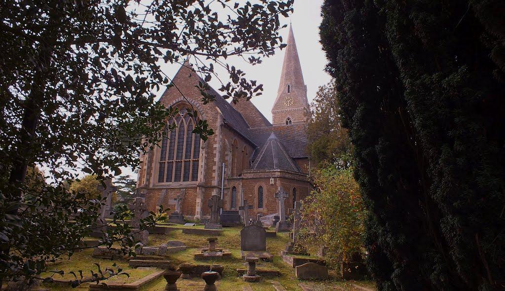 Christ Church Burial Ground Esher Green Surrey, Эшер