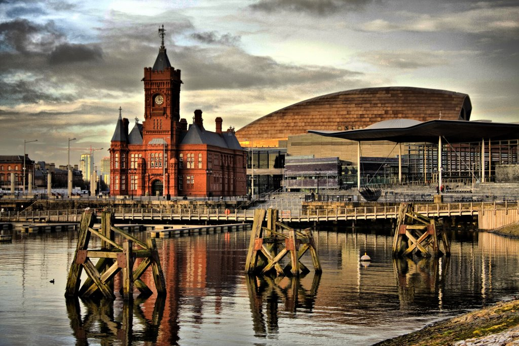 a history of the city cardiff modern city of whales in england Cardiff, located on the banks of the river taff, is the capital and largest city (320,000+ inhabitants) of wales it's a busy commercial, maritime and university city.