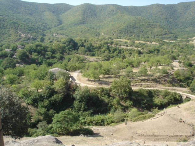 Село Ухтадзор, Арцах, Геокчай