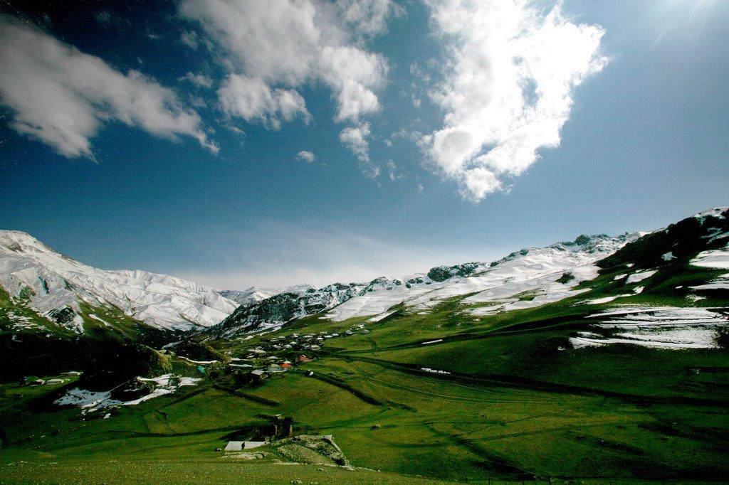 Le village de Cek, Артем-Остров