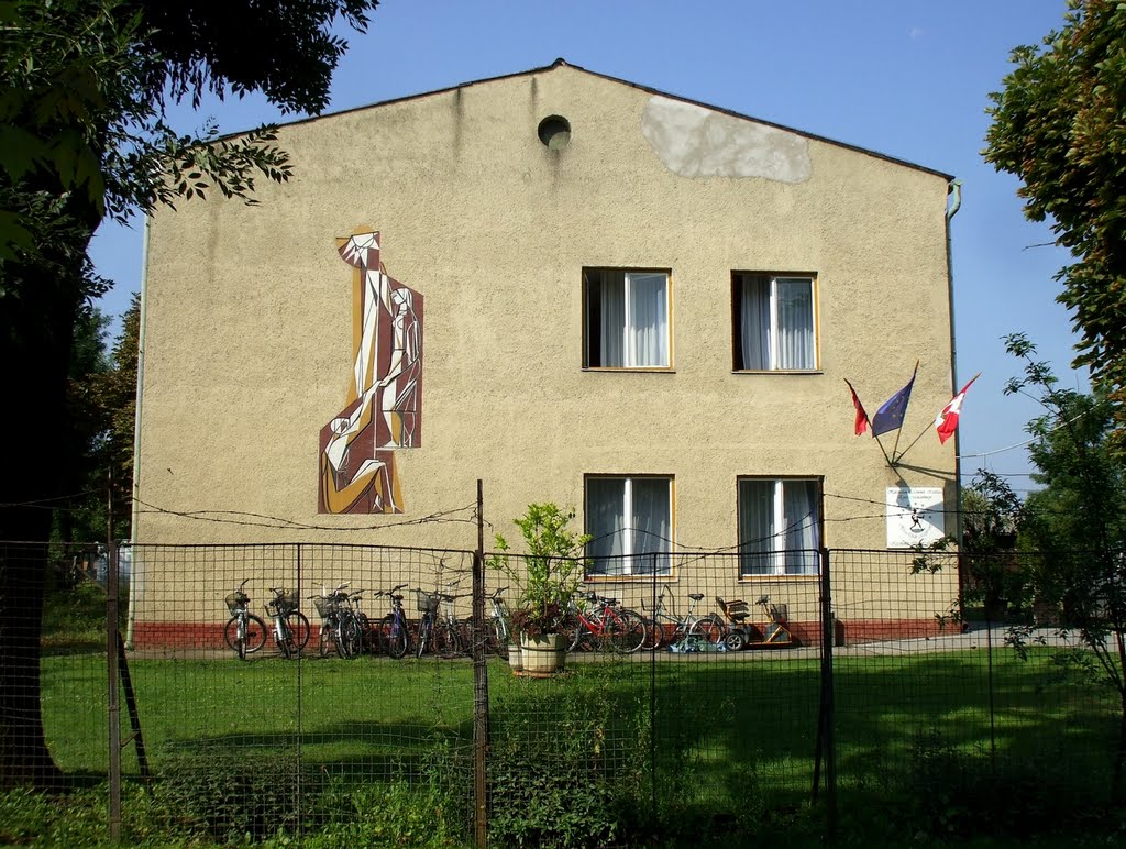 201008010924 Kecskemét, a Sport utcai hajléktalanszálló, Кечкемет