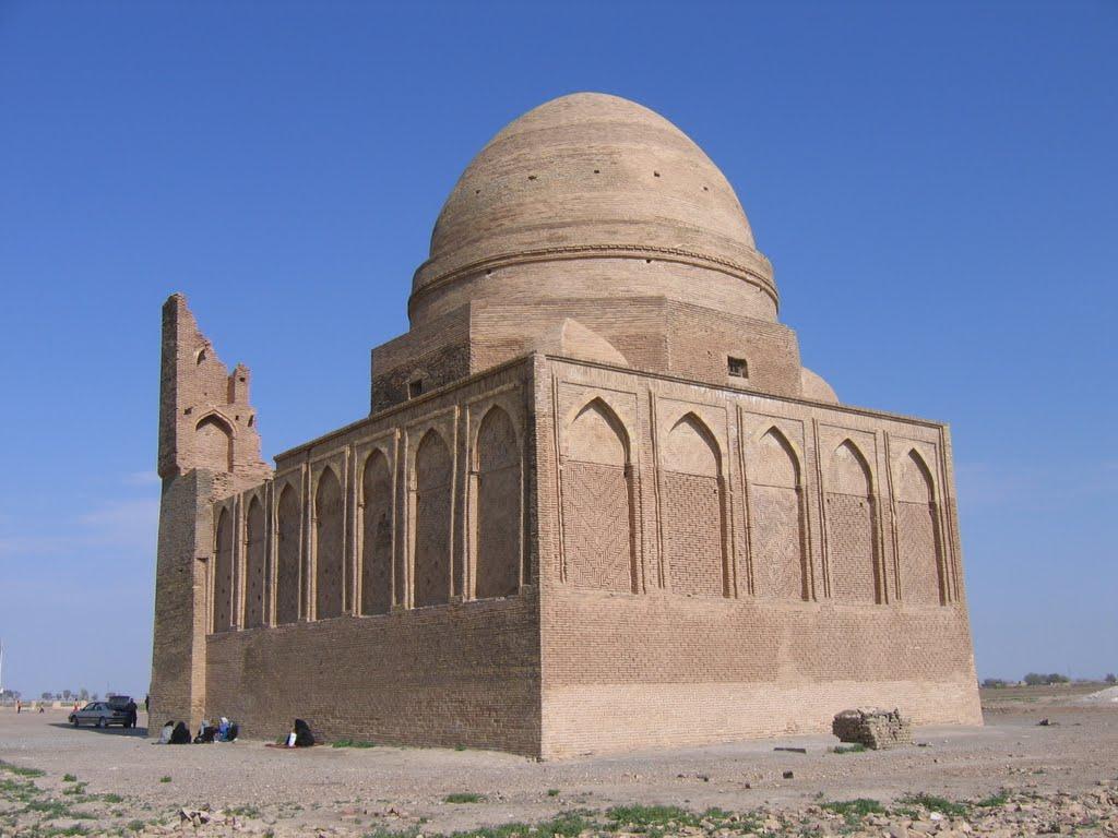 sheikh Mohammad Loghmani Sarakhsi shrine (آرمگاه شیخ محمد لقمانی سرخسی), Серахс