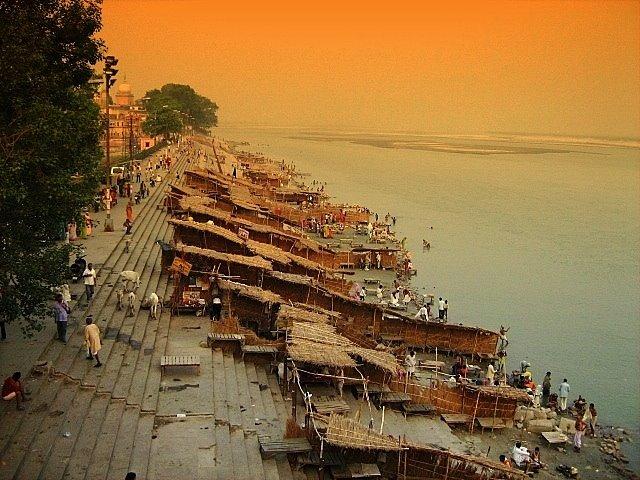 Naya Ghat, Saryu River, Ayodhya : Photo Hemant Shesh, Кара-Кала