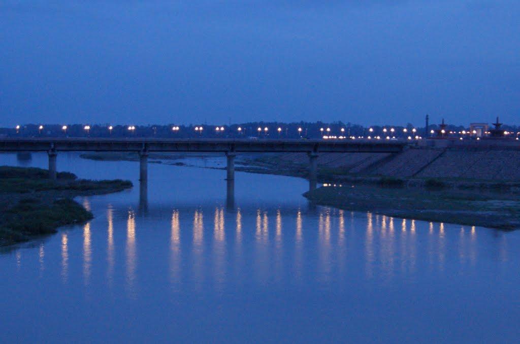 LIGHTS REFLECTIONS OF GOMTI BRIDGE dedicated to Hooman javadi, Кара-Кала