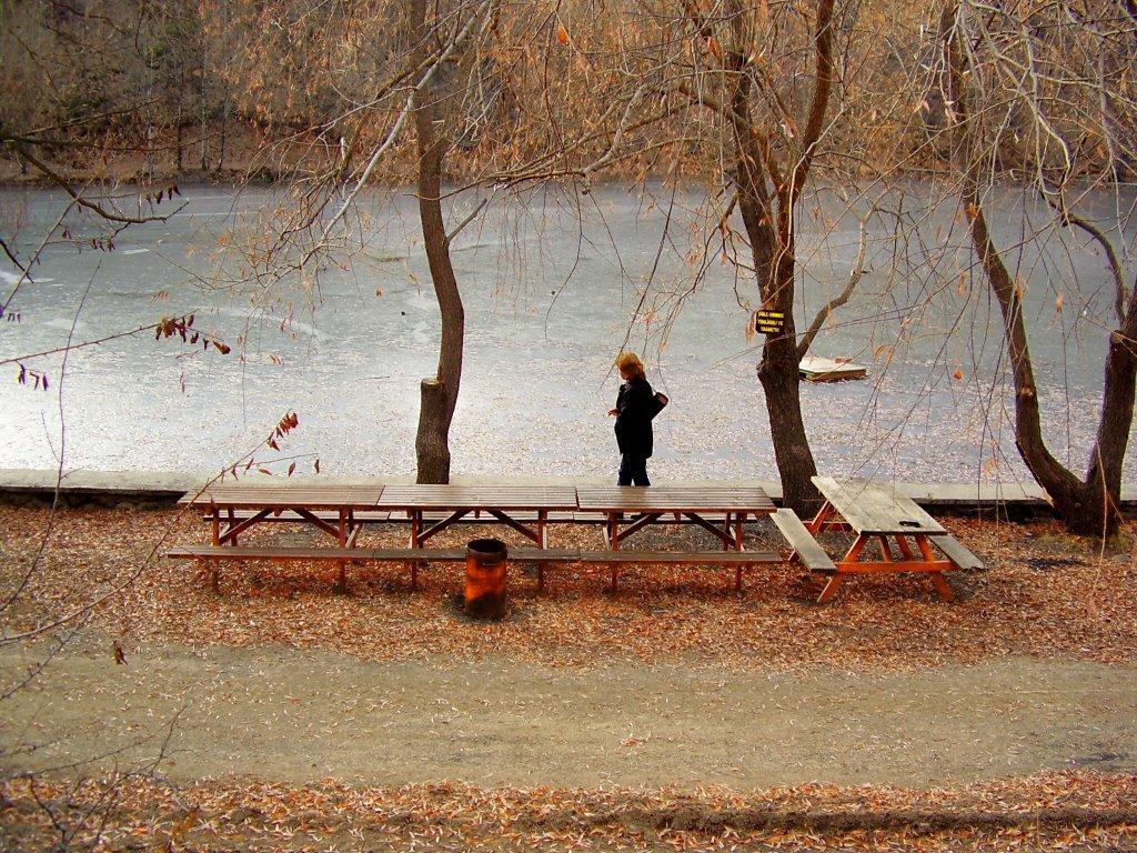 Karagöl buzlanmış akşam oluyor., Карагель