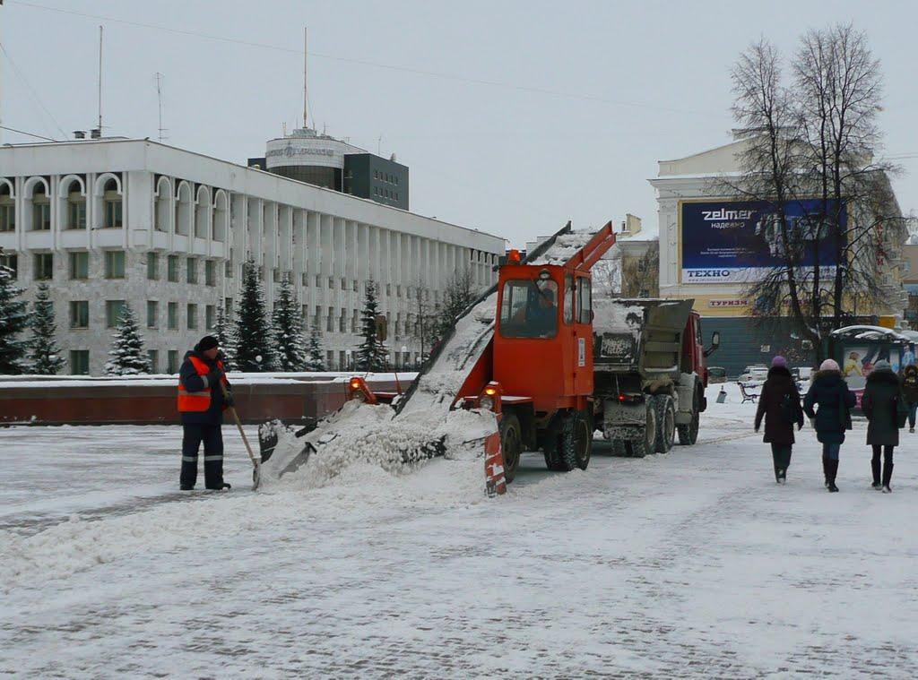 Snow shovellers - neverending work in russian winter, Уфра