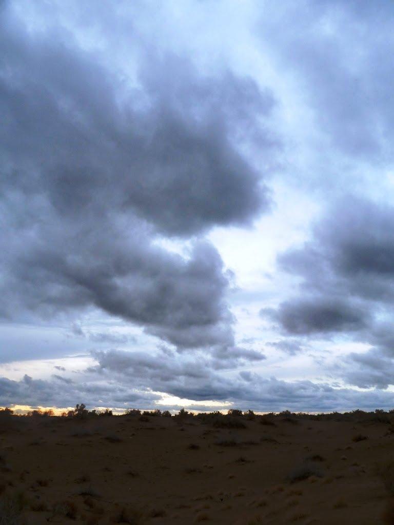 Karakum Desert in dusk, Иолотань