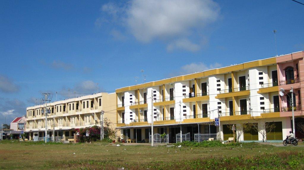 Thị trấn Duyên Hải - NT, Пхан-Тхит