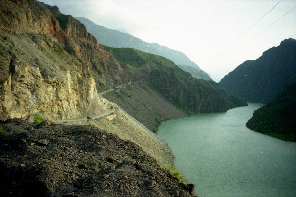 Kurgyzstan, Naryn river, Балыкчи