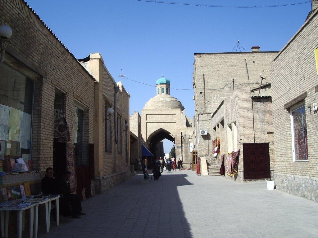 Bukhara vers marché aux tapis   -  Uzbekistan, Бухара