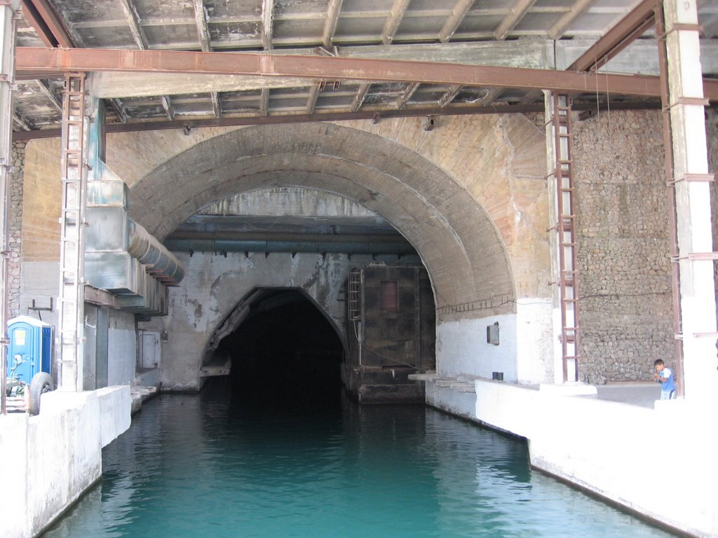 Balaklava Submarine Base, Балаклава