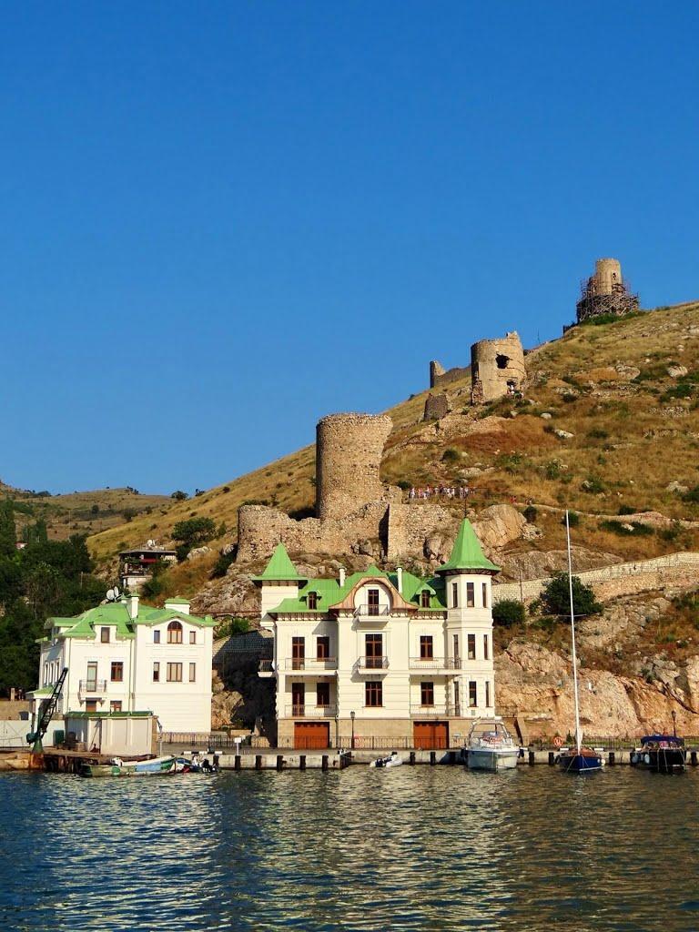 Башти фортеці Чембало, towers of fortress Cembalo, башни Балаклавской крепости, Балаклава