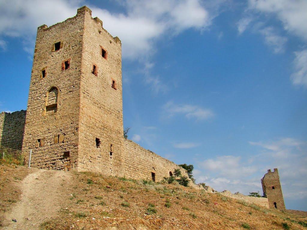 Феодосія - дві башти, Feodosia - two towers, Феодосия - две башни, Феодосия