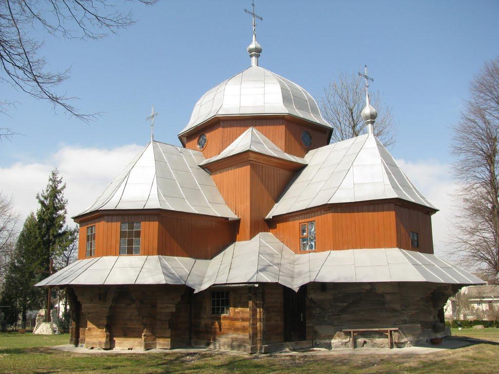 Деревяна церква Різдва Богородиці, Яворов