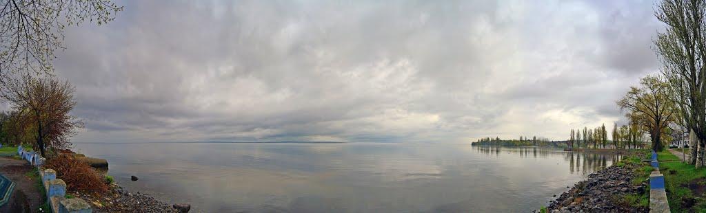 На набережной, Великая Лепетиха
